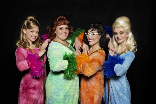 The cast of MARVELOUS WONDERETTES: Dream On